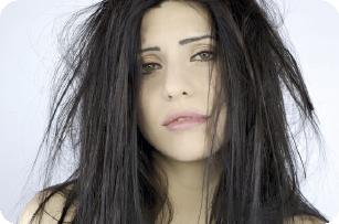 Enredos y encrespado en extesiones de cabello que no son confeccionadas con la tecnica REMY